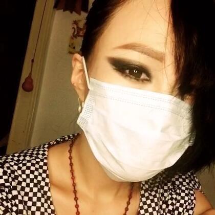 佳仁仿妆😒此刻多么希望我是单眼皮。。感谢小胖全程指导~我对韩国流行文化一窍不通啊😂😂😂