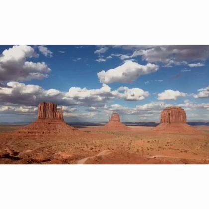 【舒缓】《Divine Rapture》这首音乐很有宏伟的画面感的呢,用来搭配拍摄延时的风景以及一些大自然的景色那都是极好的!它在60s长视频里面哟,快去下载拍一段大片来让小编看看吧!视频来源:@延时摄影