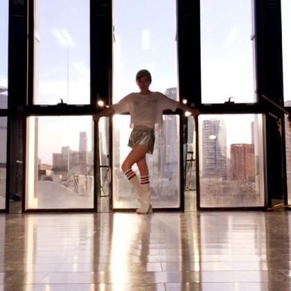 跳舞比说话更自由~