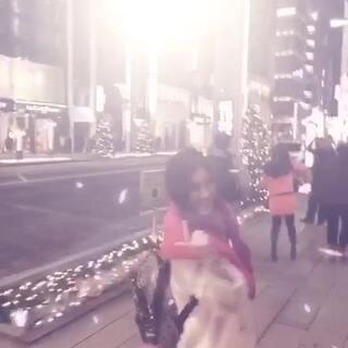 #在路上##元旦快乐#日本银座到处都在打折哟!!!!!!☺☺☺汇率跌的太可爱了!扫货回家啦。