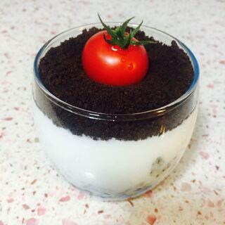 【奥利奥酸奶盆栽】吃货的周末,自己动手总是别有一番乐趣。超级简单的#奥利奥酸奶盆栽#,一起来做吧。#美食#