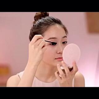 """#60秒美拍##新年魔妆大比拼##韩式裸妆#让你美美的过新年,清新美妆,轻松给你美丽加分。😃👉(更多美容护肤的内容,请关注""""爱美网""""发型微信公众号)&想了解美发的,关注""""爱美网发型""""微信公众号"""