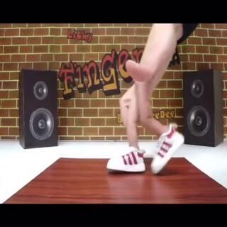 超有创意的手指舞!太空步,breaking,惟妙惟肖啊!#舞蹈##创意#