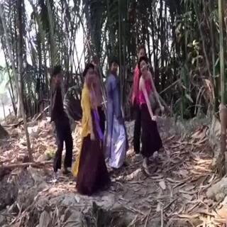 #越南哈林摇#红兜兜与黄兜兜
