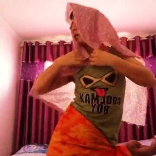 #越南爆红舞曲#我不说什么了………喜欢请点赞………