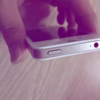 #模仿美图手机广告#绝对火到爆款,精仿5s来袭,还有4s.三色齐全😱,最优惠的价格💰,一样的外观一样的ios系统,指纹验证,qq登陆显示iphone5s,app下载💋只需要800元,7天无条件退换,一年保修👍微信754443500