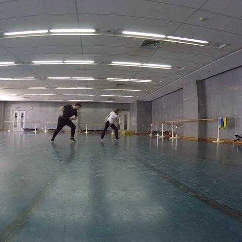 【何雯娜美拍】我的新目标就是要成为奥冠里跳舞...