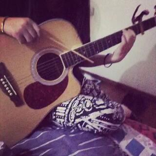 #用筷子弹吉他##菜鸟#现学现弹,要求不高!给我十一个赞👏