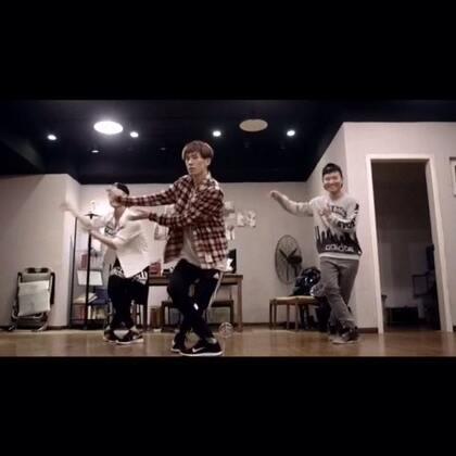 Sugar-Maroon5#舞蹈#我最新的编舞作品,最近几天就要准备开拍啦!提前发个小预告#南京cross##编舞##maroon5 sugar#