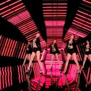 Kara——pandora. PS:好喜欢这首歌,把它介绍给大家听。同感的要点赞。。。呜呜,最近粉都涨不动了,你懂的。。。关注一下哦。#至善韩流频道#