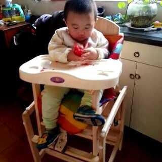 #我是吃货我自豪##宝宝#西红柿😍 吃的好认真😁