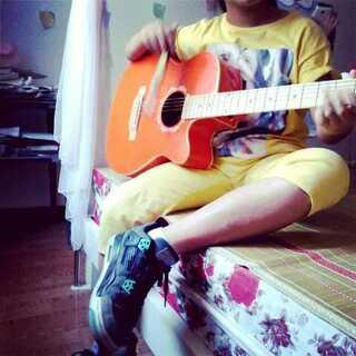#用筷子弹吉他##用扇子弹吉他##60秒美拍##随手美拍##聚会#独奏童年