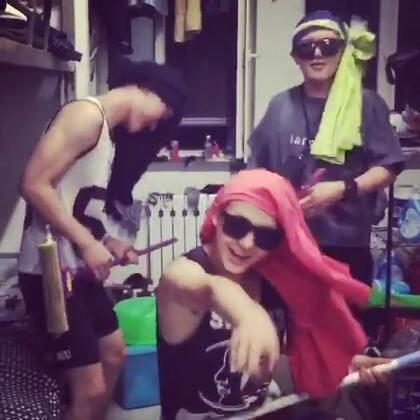 啥也不说了,第一次这么疯!!!#superstar疯狂模仿赛##60秒美拍##宿舍的日常#😲😲😲😲😲