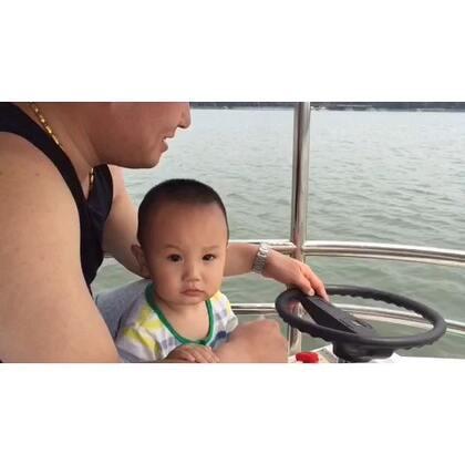 #宝宝#带着熊孩子北海一日游,第一次划船🚣,一直邹着眉头~😂