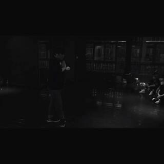#日本mikey#来自日本东京编舞大师Mikey用中文创作的处女作品!用心感受为重庆的舞者编排#那英#默 一位外籍舞者能对这首中文歌曲有这样高深的理解 非常值得大家学习!👍#舞蹈#