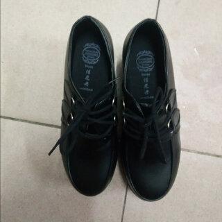 #寻找黑色#鞋子