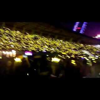 #BIGBANG在美拍#bigbang成都演唱会结束,万人齐唱loser送bigbang离场!#一起唱loser#