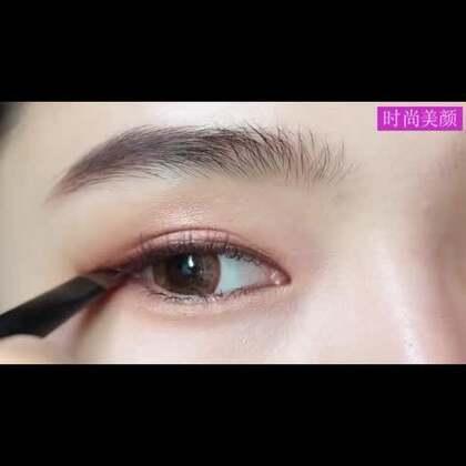 #美妆时尚##眼妆#【眼影上妆教程详解】来自韩国妹子的一个超级详细的眼影教程!一步一步眼影叠加的过程和手法,非常适合化妆新手们学习!get!😍😍