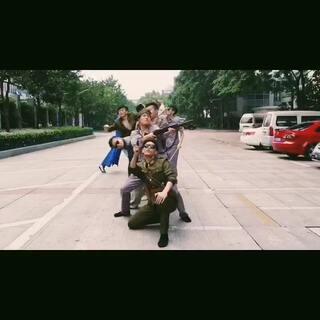 #自创舞蹈#史上最潮制作,诡计多端,思想深邃,横跨三地拍摄。耗思巨大,望支持,多多关照。#BIGBANG在美拍#😝😝😝😝