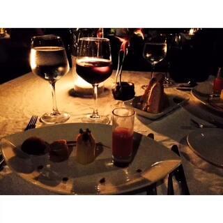 【美食番外篇】#晒晒你喜欢的异国美食##直播吃饭##旅行##美食##热门#清理电脑时发现在麻袋lily beach的照片,可惜那时还没玩美拍,视频都是拍照的时候不小心按到视频键保留下来的...东拼西凑不足1分钟...现在觉得弥足珍贵啊...视频里有个食物是我在那里每天必吃的...猜得出来吗😁我就是那么专一哈