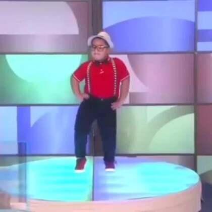 """这个夏天你""""乐""""了吗?!美拍爆笑胖宝宝魔性舞蹈合集,全程高能,保证笑到明年去😂#宝宝#更多有趣的宝宝视频尽在#宝宝频道#"""