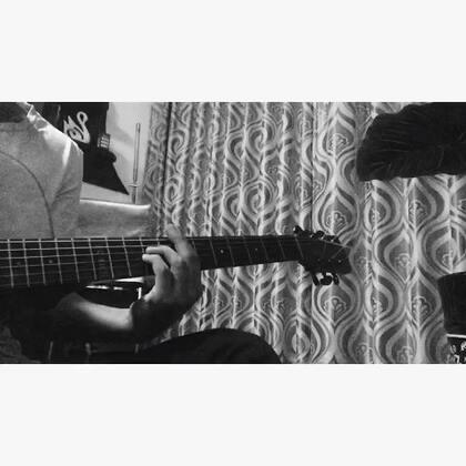 《甜蜜蜜》新浪微博@朱腹黑 #唱歌##自拍##音乐##朱腹黑和吉他#