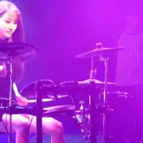 韩国美女鼓手雅妍#韩国美女##架子鼓##架子鼓冰琪淋美女图片