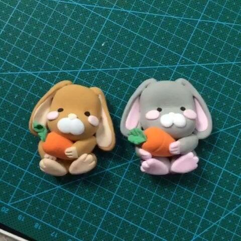 抱萝卜的兔子宝宝,暂时没有上色,激萌,喜欢吗图片
