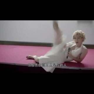 #寻找最美coser##舞蹈#男神胡歌画风秒变,cos玛丽莲梦露,这腋毛+抖腿,真的是偶像包袱甩上天了😂#逗比#@美拍小助手