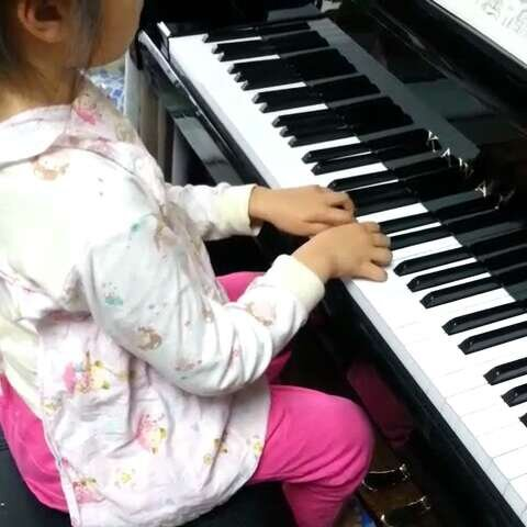 钢琴第十节小汤2 钟声响了 目前最大的问题还是手指力度不够 ??静听1