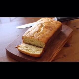 香蕉面包!简单好学的面包教程。按照自家烤箱温度验熟度,也可以放入核桃仁。大家周末愉快!#美食##美食总动员#😊