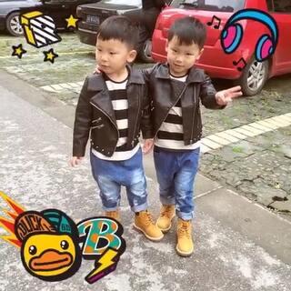 #最萌双胞胎#我家大可小乐 三周岁!😬😬😬