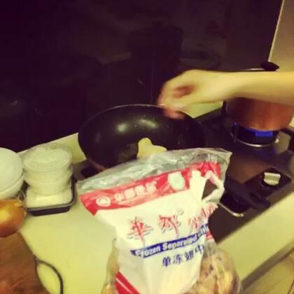 #直播吃饭#@美拍小助手 爱做饭,怎么治?要不开个地方菜的了。😁