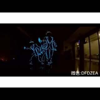#舞蹈#来配合苏州948做一下宣传,今晚圆融时代广场,天幕东街,有我们演出,带来电光#good boy# 排练花絮片段#bigbang#