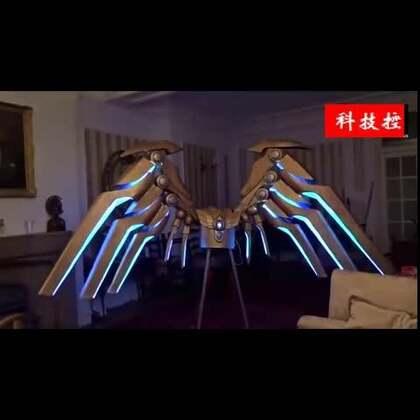 #涨姿势#技术宅自制LOL审判天使之翼 手机控制伸展变形。。👍👍#我要上热门#