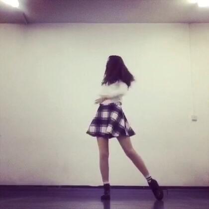 优雅地-Twice💅🏻完整版!!3分半!!穿的是秋裤 不是光腿 后面有点累了不是很完美 Twice所有非主打我也都会跳🌝大家推荐给我的我会慢慢更新🎁#韩舞##twice##我要上热门##舞蹈#