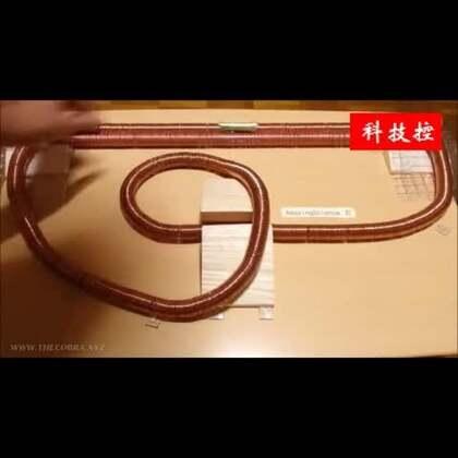 #涨姿势#这大概就是磁悬浮列车的原理了!材料:电池磁铁线圈,流弊👍👍#我要上热门#