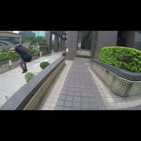 """【UM大盛美拍】中国跑酷界""""老炮儿"""",台湾街头..."""