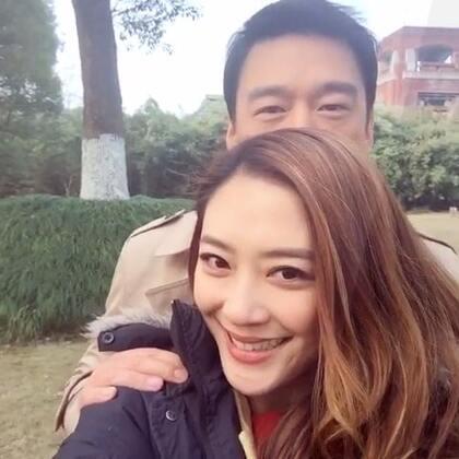比脸小?王耀庆先生... 你躲我后面脸还是比我大😂😂😂😂😂😂