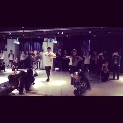 日本ERI老师的大师课,发烧蒙圈都不知道怎么跳下来的了。。。#舞蹈#