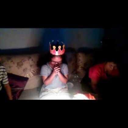 小闺密的17岁生日😁😁好好好你是寿星你最有容最奶大!哈哈哈哈哈哈😂😂😂😂