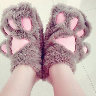 #把手套套在脚上#😝