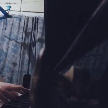 还有这首也是韩剧里面的伴奏。#钢琴片段#