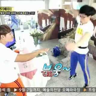 #变态打手背比赛#韩国Running Man变态游戏😂😂😂