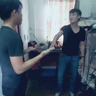 #变态打手背比赛##第一个美拍#说的是粤语…随便玩玩而已,不喜勿喷😥