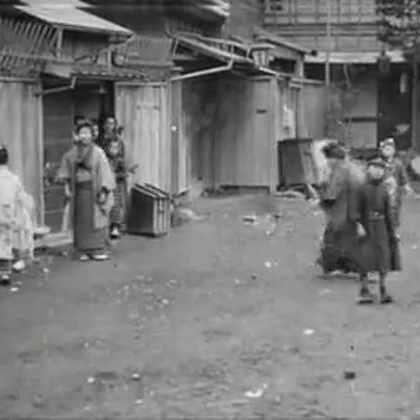 #【珍贵影像】1920年的北京街景#这不是电影也不是清宫剧!是加拿大摄影师拍摄的1920年~1929年间北京的真实街景录像!简直比卓别林的电影还高清!