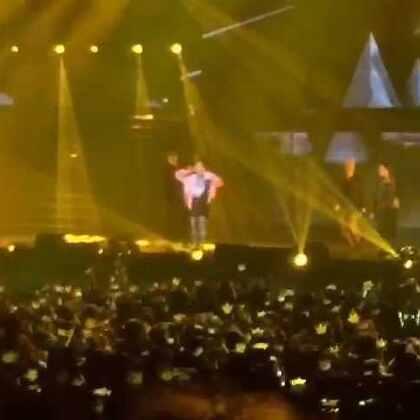 bad boy~#bigbang上海#@GDRAGON_OFFICIAL @BIGBANG_ASIA #权志龙##bigbang太阳##BIGBANG在美拍##bigbang##音乐##5分钟美拍#