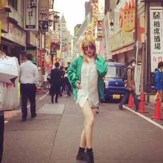 #舞蹈#在东京的日子 一样每天生活都是跳舞跳舞跳舞 乐此不疲~现在的东京正是樱花🌸满开 都没抽时间去看😂 好久没发舞蹈 在路上即兴来一段儿 人太多也不能怎么跳 随意点看着玩吧💋音乐🎵Run&Run