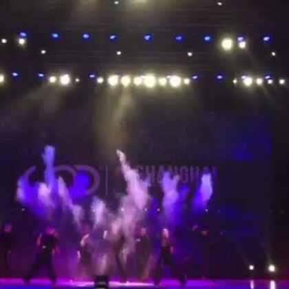 我们彩排的版本,这个是我们想要展现给大家的效果!遗憾的是由于其他原因决赛当天我们不能使用我们的道具,所以只能给大家欣赏彩排版吧!#舞蹈##WOD##SPYfamily##shanghai##我要上热门#@SPY舞蹈中心