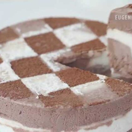 周末在家可以自制的巧克力冰淇淋蛋糕,看着都流口水啊~有木有!!😍😍😍#巧克力##DIY##冰淇淋蛋糕##涨姿势#